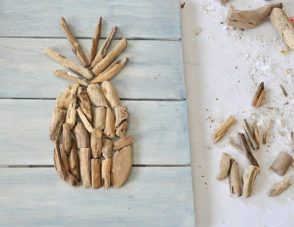 Driftwood DIY wall art in pineapple